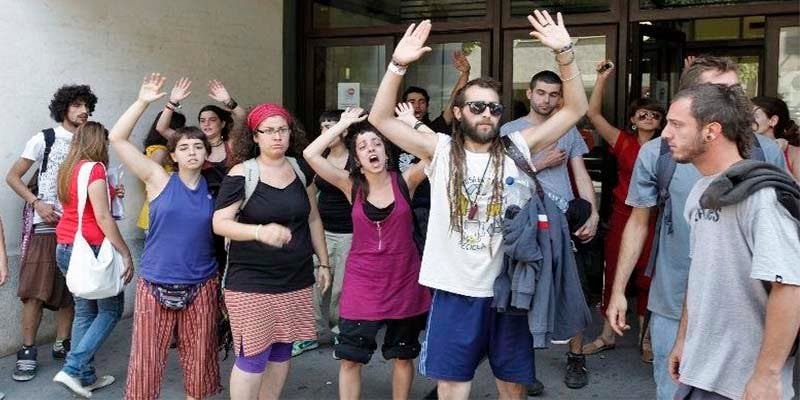'Okupas al poder': El desastre que Podemos y PSOE preparan para para inquilinos y propietarios
