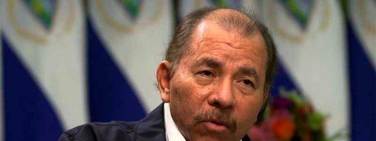 """El tirano Daniel Ortega reconoce que los asesinos encapuchados de las protestas en Nicaragua son """"policías voluntarios"""""""