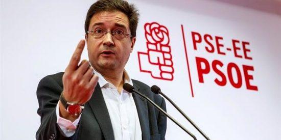 El sueldazo que le ha dado Pedro Sánchez al traidor que lo abandonó por Patxi López