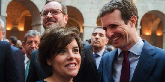 Pablo Casado afianza su posición en la batalla con Soraya Sáenz de Santamaría para liderar el Partido Popular