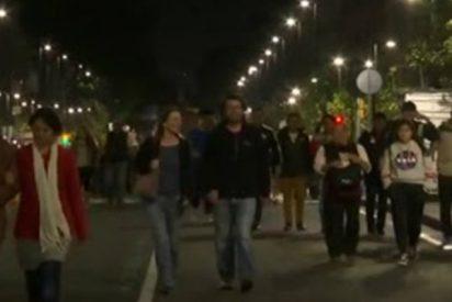 Los partidarios de Andrés Obrador salen a la calle para celebrar su previsible victoria presidencial