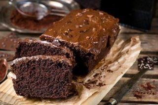 Pastel de chocolate vegano fácil