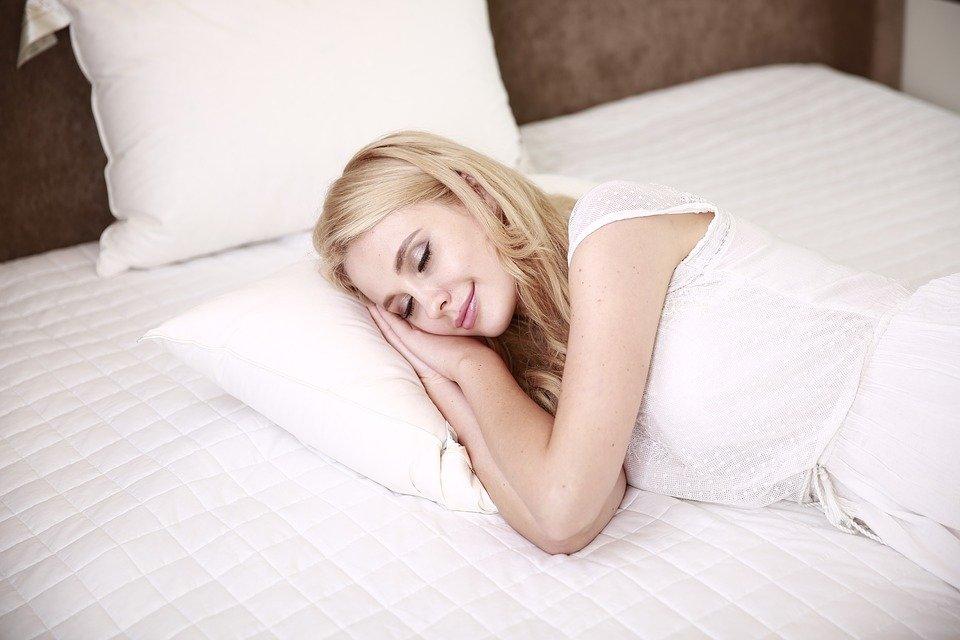 ¡Oferta de empleo!: Empresa busca candidatos para probar una cama