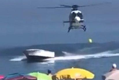 Persecución de película de un helicóptero a una 'narcolancha'