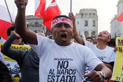 Los peruanos se hartan de la corrupción y salen masivamente a las calles a protestar
