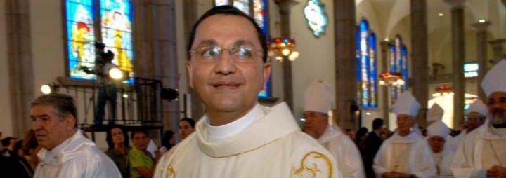 El Papa acepta la renuncia del auxiliar de Maradiaga, tras una investigación sobre su conducta
