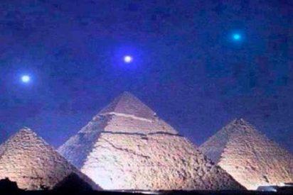 La foto de los planetas alineados sobre las pirámides de Giza es un 'fake' como una casa