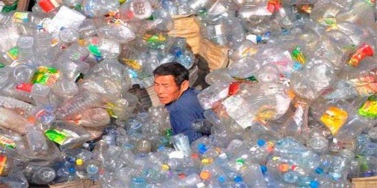 The Guardian pide a sus lectores que envíen fotos de envases plásticos innecesarios y este es el desolador resultado
