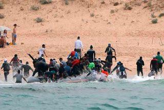 Migrantes: la gran pifia del frívolo Pedro Sánchez y sus televisivos ministros