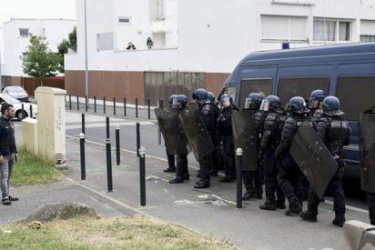 La Policía antidisturbios francesa se desborda sobre Nantes tras una noche de enfrentamientos