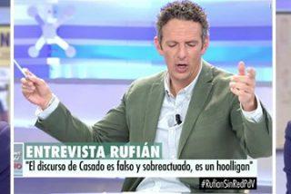 El mayor trol del independentismo se planta en Telecinco a insultar y Prat le ríe las bobadas