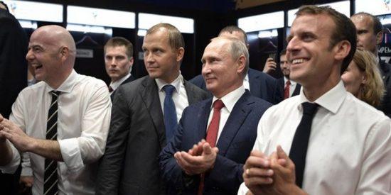Así celebraron el campeonato del mundo en el vestuario galo los presidentes de Francia, Rusia y Croacia