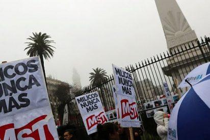 Protestas masivas contra reforma de FF.AA. firmada por Mauricio Macri