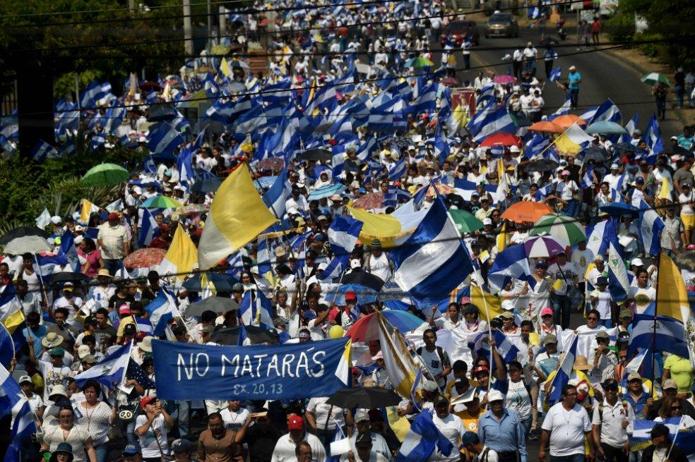 """Parolin pide que se mantenga """"voluntad de diálogo"""" en Nicaragua tras la agresión a los obispos"""