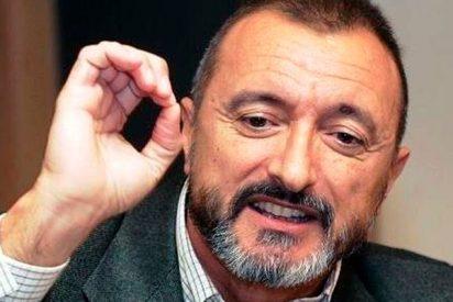 "El cobarde 'tuit fake' sobre Pérez-Reverte incendia las redes: ""Hijo de puta, para hablar de Sevilla te lavas la boca"""
