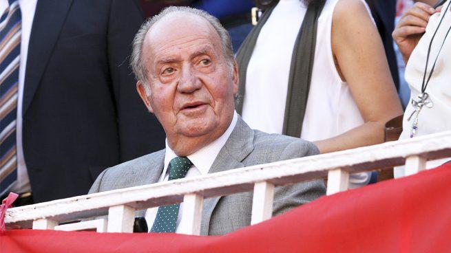 El golpe bajo que preparan contra don Juan Carlos los técnicos de Hacienda
