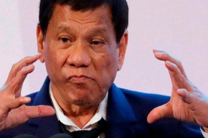"""Duterte desafía a los católicos: """"Enséñenme un selfi con Dios y renuncio hoy mismo"""""""