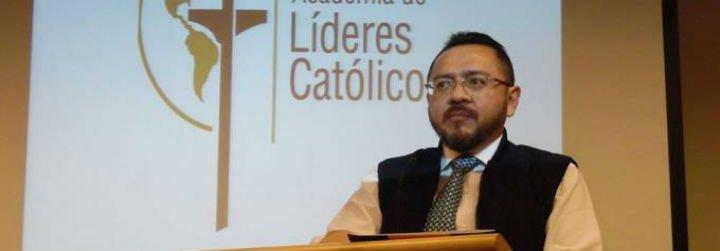 """Rodrigo Guerra: """"Algunos pastores de EEUU y Polonia no logran ver el gran don de Francisco"""""""