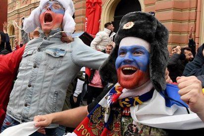Rusia celebra la histórica victoria de su selección ante España en las calles de Moscú