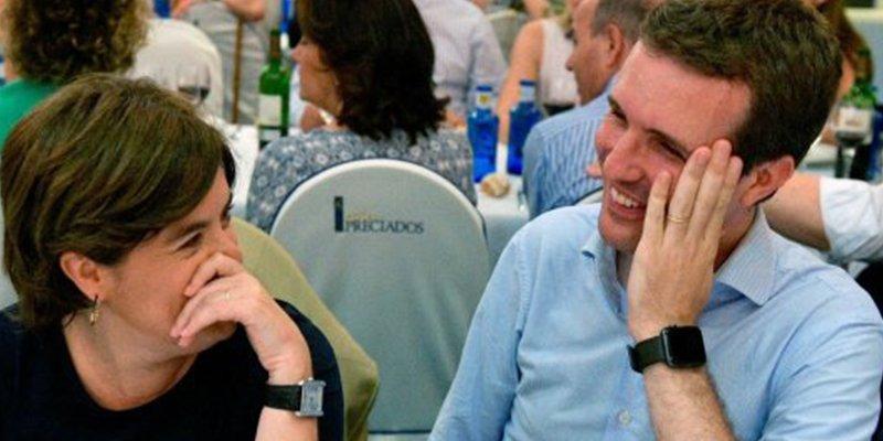 Todos hemos pensado lo mismo al ver esta foto de Soraya Sáenz de Santamaría y Pablo Casado