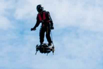 """""""Duende Verde real"""": Este hombre superó los 165 km/h en esta tabla voladora"""