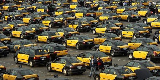 """Los taxistas amenazan al Gobierno Sánchez con cerrar la frontera francesa: """"Al taxi lo va a respetar todo dios"""""""