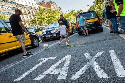 Colapso en las grandes ciudades españolas: Los taxistas mantienen la huelga tras fracasar su reunión con el Gobierno Sánchez