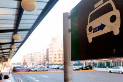 La huelga de taxis se extiende por los aeropuertos de toda España
