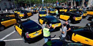 Los taxistas de montan un 15M para forzar al Gobierno a echar de las calles a Uber y Cabify