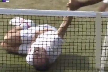 Este tenista se hace 'un Neymar' en Wimbledon y desata las risas del público