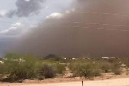 Tremenda tormenta de arena azota el desierto de Arizona