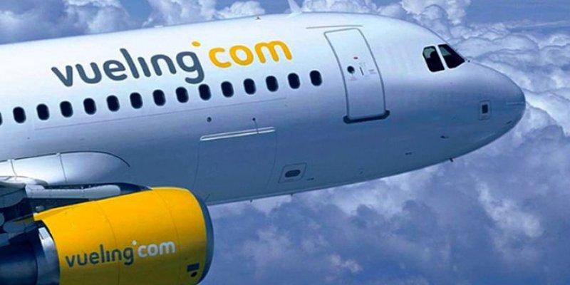 Facua-Consumidores denuncia a Vueling por cobrar por llevar equipaje de mano en cabina