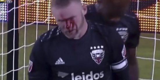 Wayne Rooney marca un gol en la MLS de EE.UU. y acaba con la nariz rota