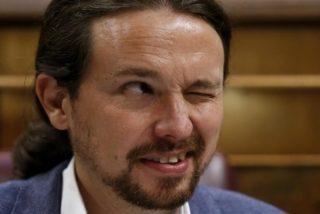 """Pablo Iglesias no levanta cabeza: critica en Twitter que en Bolivia """"hay un golpe de Estado"""" y le muelen a palos"""