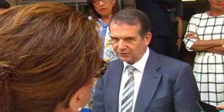 """La madre de una chica herida en el derrumbe de O Mariquiño al alcalde socialista: """"¡No me dé la espalda!"""""""
