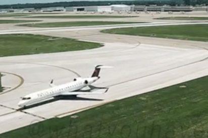 Esta furgoneta con personal del aeropuerto casi choca contra un avión despegando porque llegaban tarde a una barbacoa