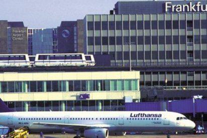 Evacuan el aeropuerto de Fráncfort, con 13.000 pasajeros afectados, por una crema