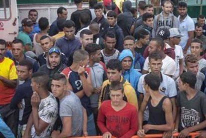 17 inmigrantes ilegales se fugan del CIE de Aluche tras robar la tarjeta de seguridad a un policía