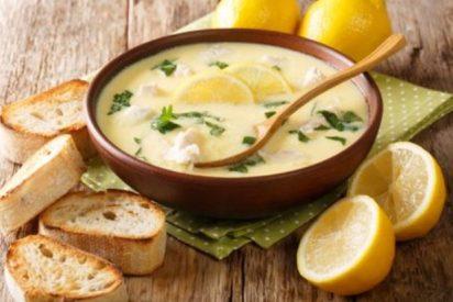 Avgolemono, sopa griega de pollo y limón🍋