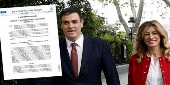 El Gobierno Sánchez firmó en junio un convenio con la fundación donde ha 'enchufado' a su mujer