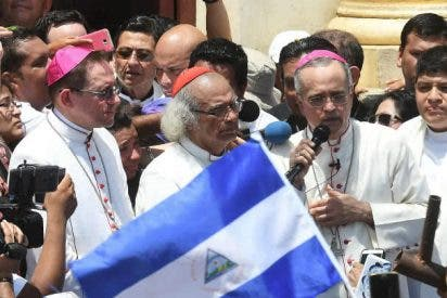 """Silvio Báez: """"No es posible criminalizar al pueblo por ejercer su derecho de protesta"""""""