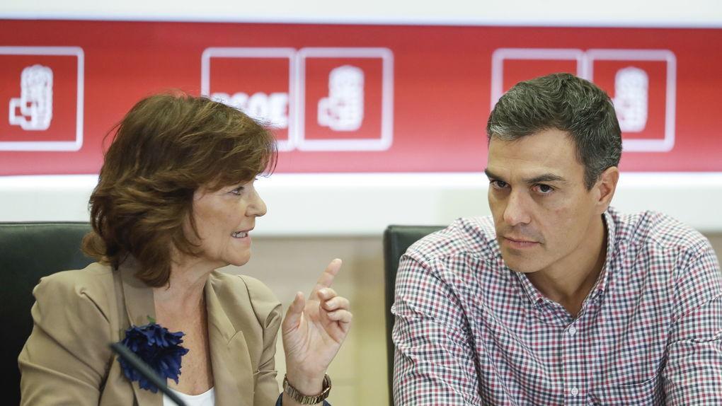 Carmen Calvo insulta a los españoles afirmando que es normal hablar con Torra de presos y de referéndums