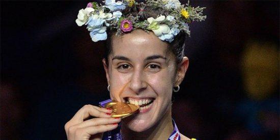 La española Carolina Marín rompe la Historia y logra su tercer Mundial de bádminton