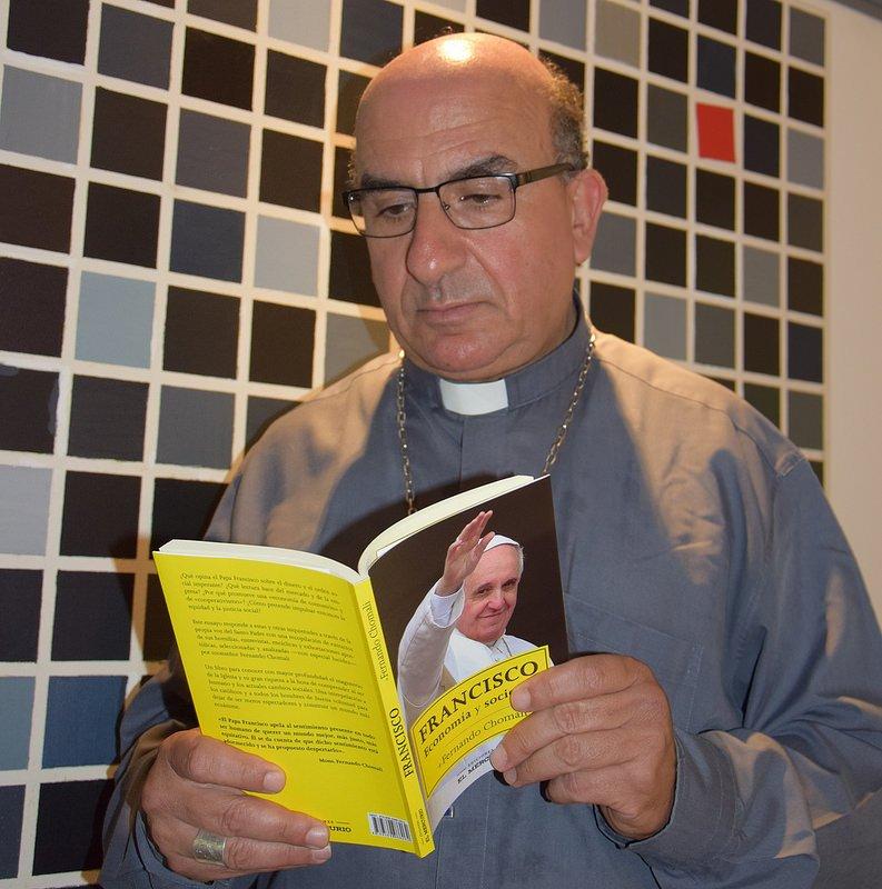 """Monseñor Chomali: """"Eutanasia y encarnizamiento terapéutico no son respetuosos de la dignidad de la persona"""""""