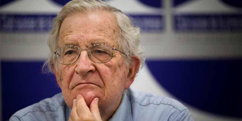 """Noam Chomsky: """"La Venezuela chavista es un desastre, la corrupción ha sido extrema"""""""