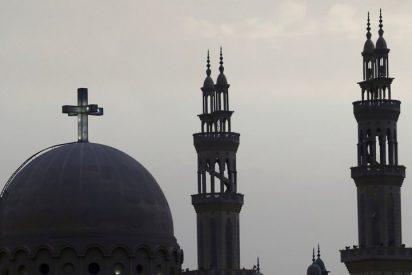 Juzgan a dos monjes coptos por el asesinato del obispo Epifanius en Egipto