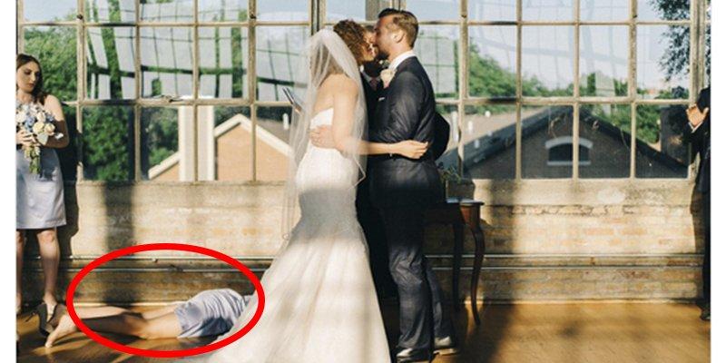 Esta dama de honor arruina el primer beso de recién casados y la imagen se hace viral