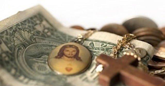 """Monseñor Hesayne arremete contra los """"ricos de misa dominical"""""""