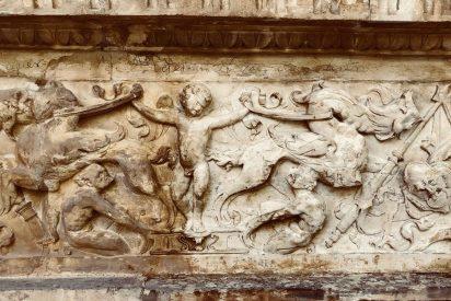 Descubren la firma de Bécquer en la fachada del convento de San Clemente