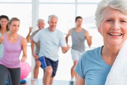 ¿Sabías que el ejercicio reduce el riesgo de enfermedades crónicas en adultos mayores?